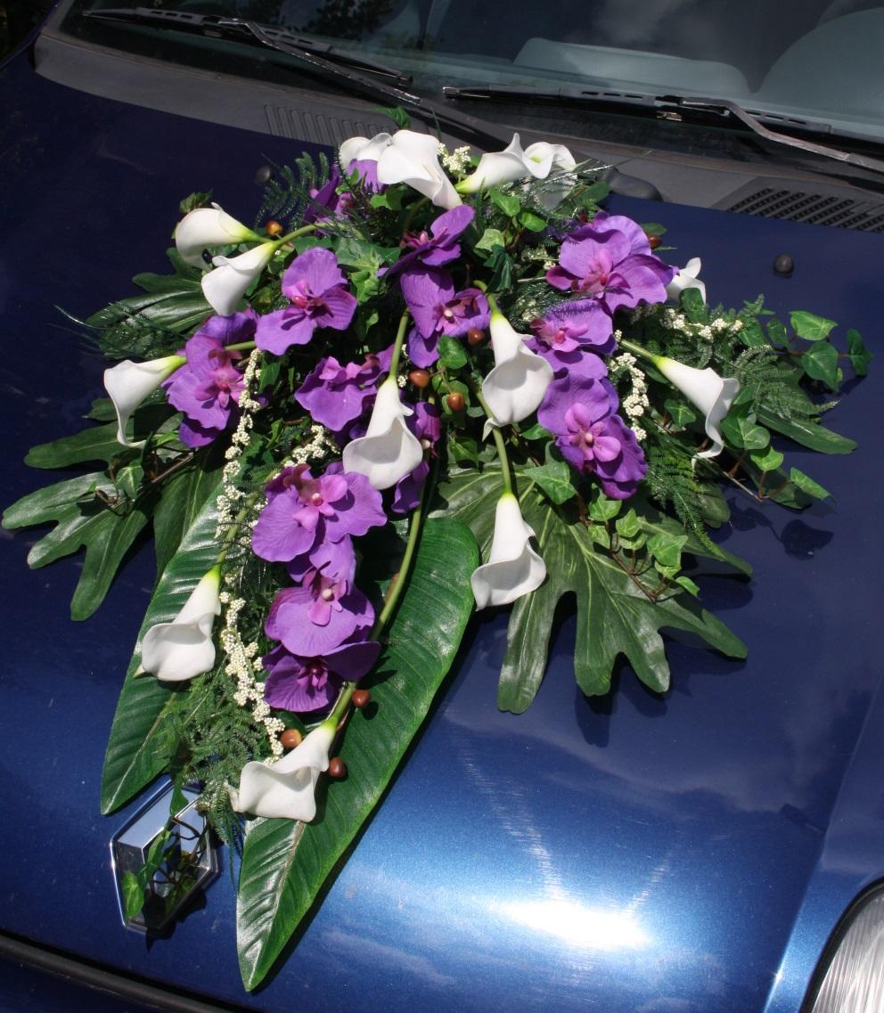 deko auto mit callas und orchideen deko auto callas und. Black Bedroom Furniture Sets. Home Design Ideas