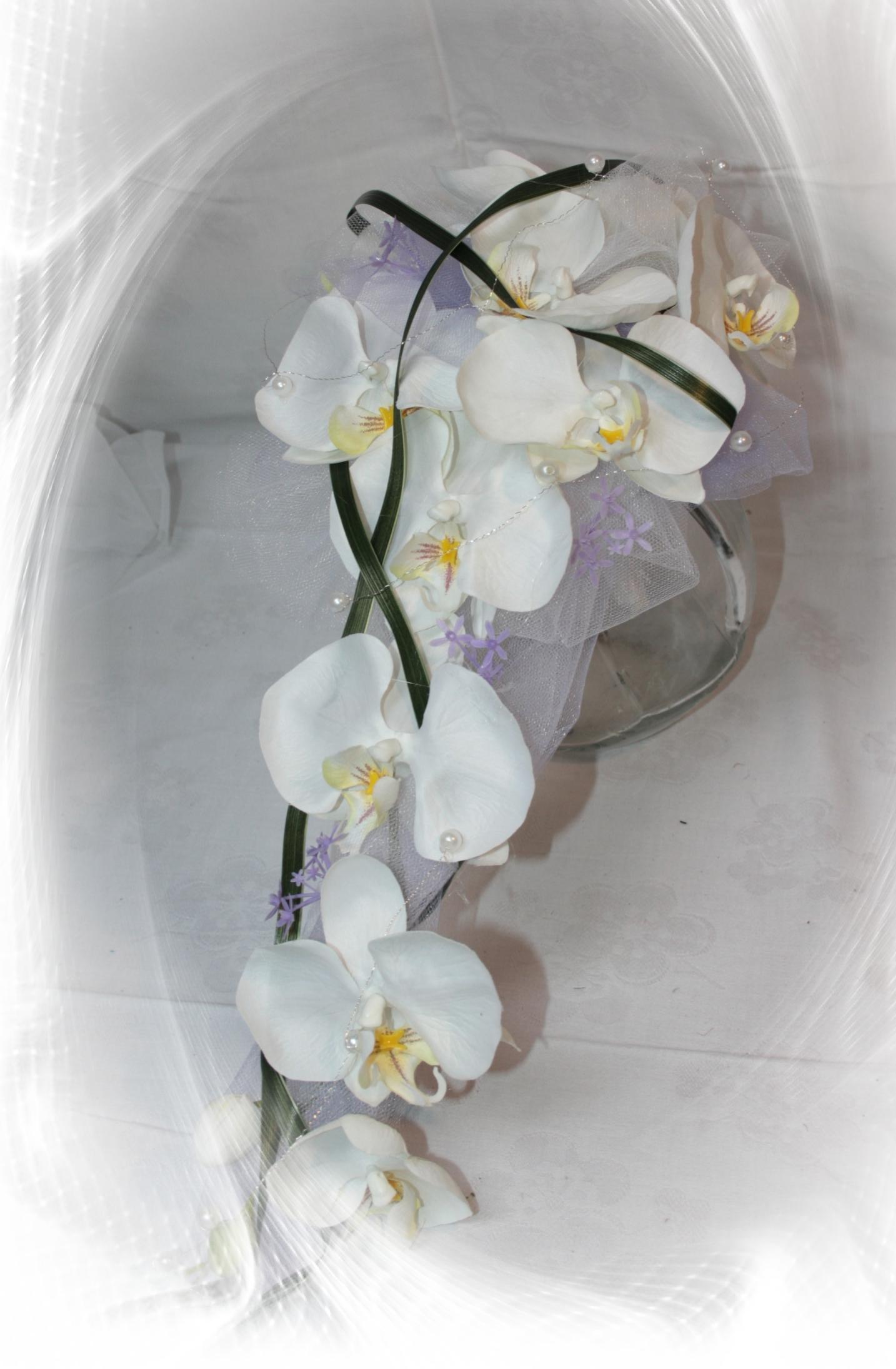 brautstrau orchidee mit flieder hochzeitsdekorationen. Black Bedroom Furniture Sets. Home Design Ideas