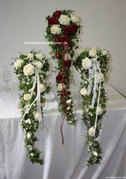 Brautstrauß Wasserfall Rosen lang