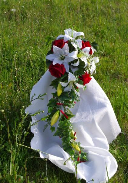 Lilienstrauss Hochzeit