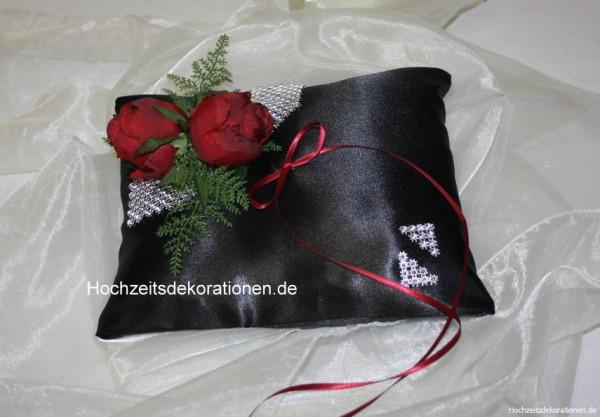 Ringkissen gothic mit 2 Rosen