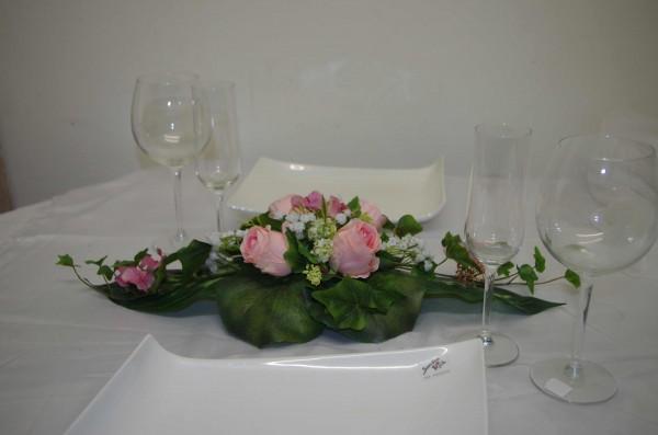 Gesteck rosa Rosen