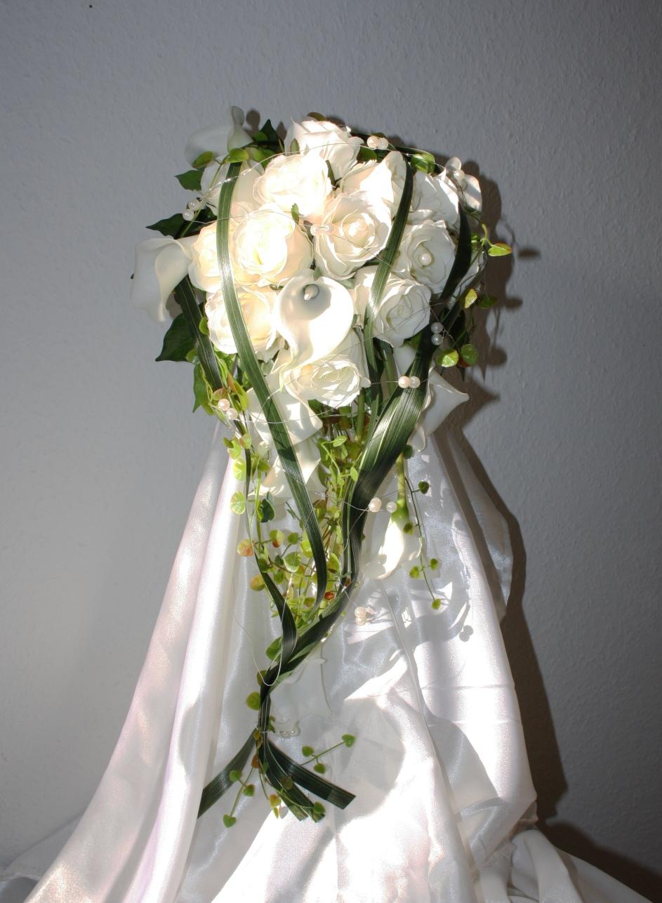 Brautstrauss Callas Rosen Graser Hochzeitsdekorationen