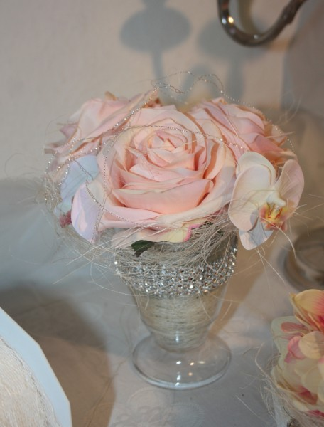 Vase Vintage mit 3 Rosen