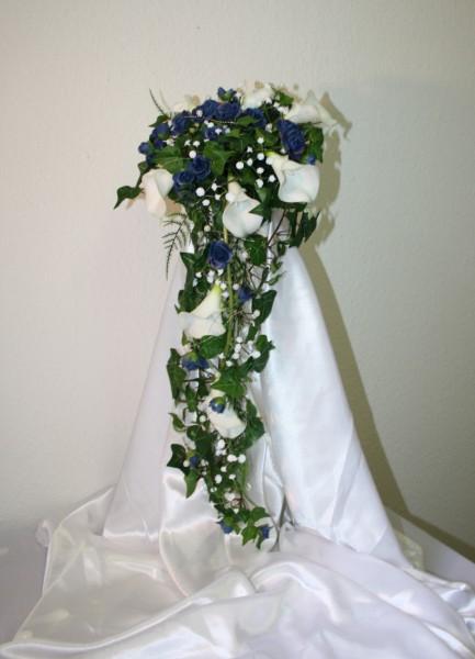 Brautstrauss blau mit Callas