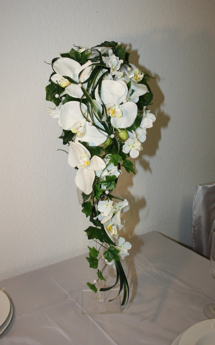 Brautstrauss Orchidee Mit Graesern Hochzeitsdekorationen