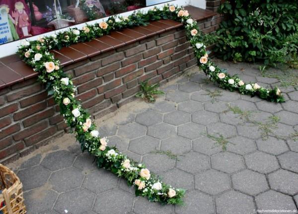 Girlande Hochzeitskutsche Blumen