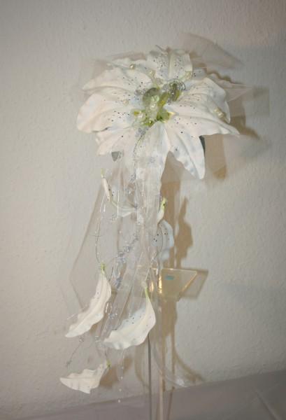 kleiner Brautstrauss lilien