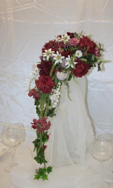 Brautstrauss mittelalter wiesenblumen